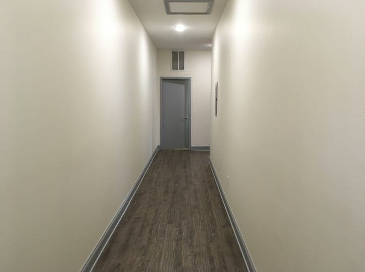 online studio apartment design hallway before