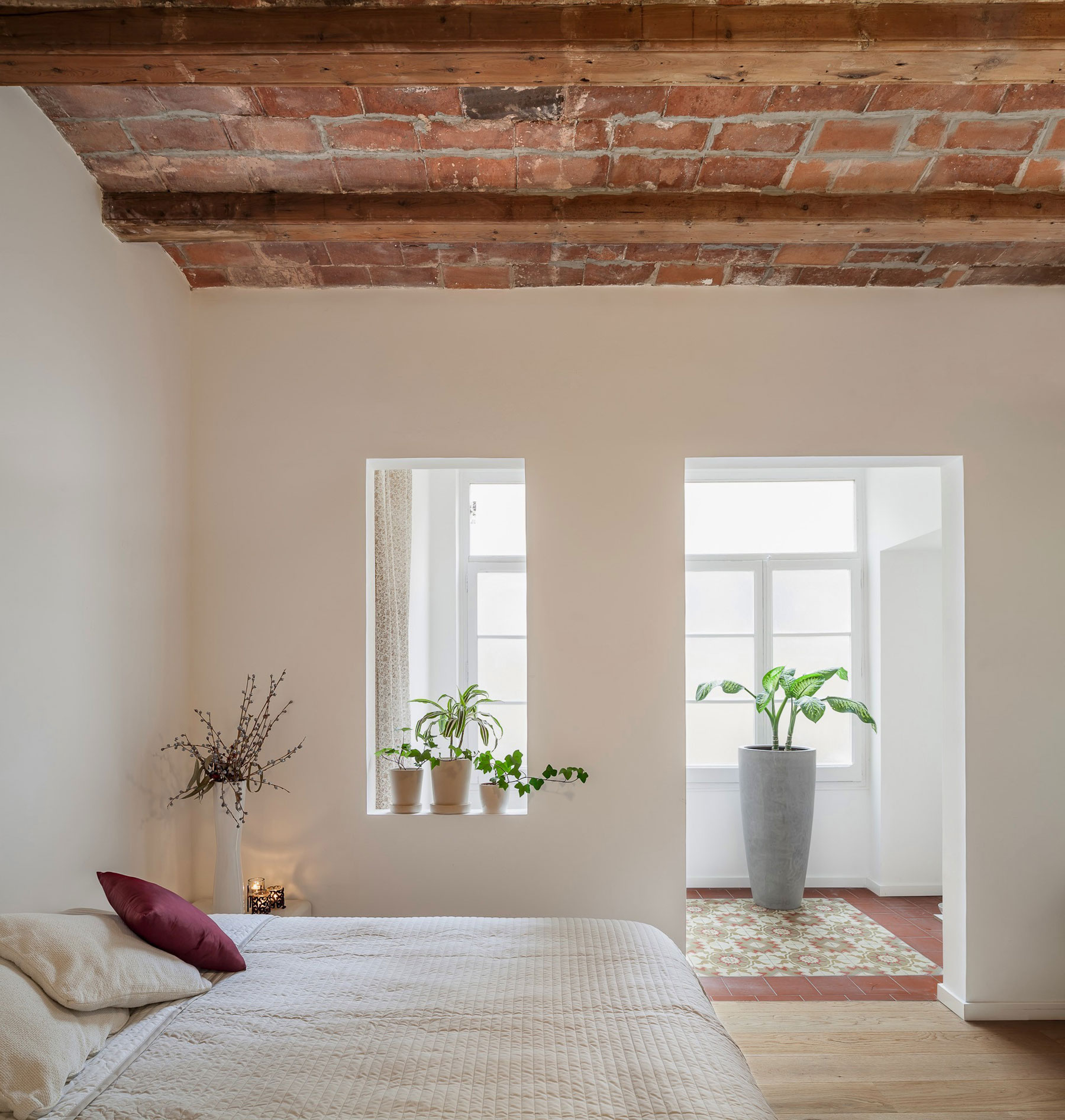 Renovation-Apartment-in-Les-Corts-balcony