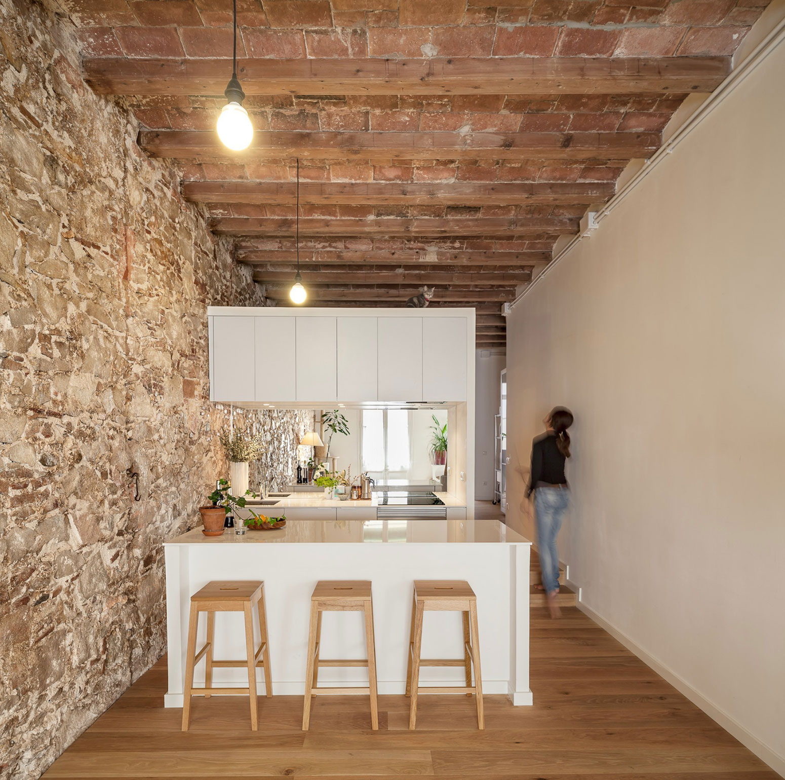 Renovation-Apartment-in-Les-Corts-kitchen