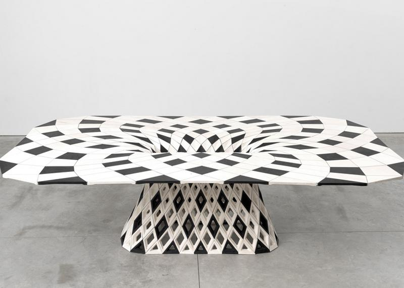 Patterned 3D printed table