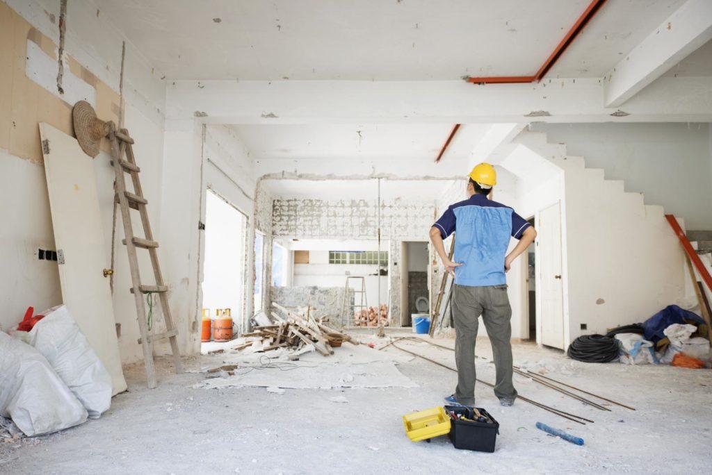 Где найти строителей для ремонта квартиры: Как найти хорошую бригаду  рабочих для ремонта квартиры? —