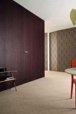Невидимые двери в интерьере: межкомнатные изделия под покраску с коробом в интерьере, интересные варианты-невидимки с коробкой в стене