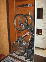 Как хранить велосипед в маленькой квартире: Хранение велосипеда в маленькой квартире: где лучше хранить